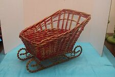 WICKER SLEIGH with en  METAL RUNNERS ~ READY TO DECORATE ~ NICE!