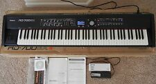 Roland RD 700 GX Stage Piano, 88 Weighted keys - Super Condition  RD700GX