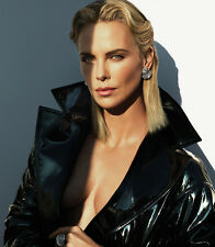 Charlize Theron UNSIGNED photo - E1157 - SEXY!!!!