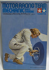 CARS : MOTOR RACING TEAM MECHANIC WHEEL CHANGING MODEL KIT BY TAMIYA