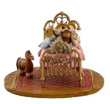 Wee Forest Folk M-412a Her Creature Comforts