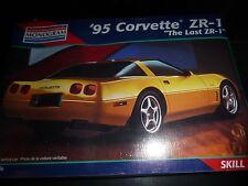 REVELL CORVETTE 1995 ZR1 COUPE MODEL CAR MOUNTAIN 1/25 FS