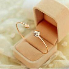 Frauen Armbänder Gold überzogene Armreif mit Liebes-Herz Form Pendant aus Strass