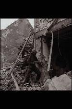 507073 SOLDATO Checking for Cecchini Francia 1944 BELL DND 131403 A4 FOTO STAMPA