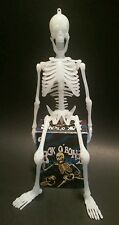 BOX O' BONES PLASTIC MINIATURE SKELETON MODEL DIORAMA TOY COMPLETE IN BOX