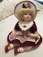 """COLLECTIONS ETC. VINTAGE SITTING PORCELAIN DOLL Blonde Hair Red Dress & Shoes 9"""""""