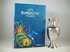 EM-Pokal 100mm freistehend UEFA Euro 2016 tm Cup France Vencedor Portugal troféu