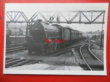 POSTCARD LNER CLASS B1 LOCO NO 61175 AT DONCASTER RAILWAY STATION 1960