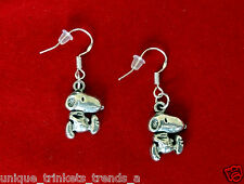 CUTE SNOOPY DOG PEANUTS CHARACTER SILVER CHARM DANGLE EARRINGS~STERLING HOOK
