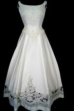 Brand New  Dere Kiang 1395 Ivory Satin Size 6 Wedding Gown