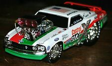 Muscle Machines John Force Mustang Boss  RETRO. & Green 1:18    both are 1350