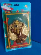 1994 WILE E COYOTE SWITCHPLATE- LOONEY TUNES MIP