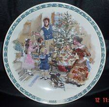 Wedgwood Collectors Plate DECORATING THE CHRISTMAS TREE 1988