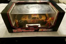 Nascar Racing Champions 1:24 Scale #4 Ernie Irvan Pit Stop Show Case (New)