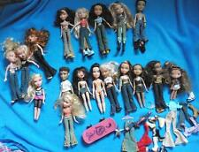 LOTTO ODL Bundle Bambole BRATZ & dispari scarpe, vestiti, accessori Skateboard 18 Bambole