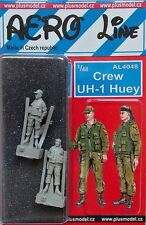 Plus model aero line 4048 1/48 crew UH-1 huey (2 fig.)