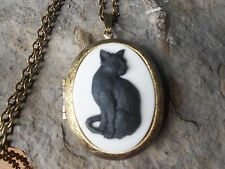 CAT CAMEO LOCKET (BLACK CAT / WHITE ) - Witch, Wiccan, Wicca, BRONZE, HALLOWEEN