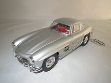 Kyosho  Mercedes-Benz 300 SL  (silber/rot)  1:18 OVP