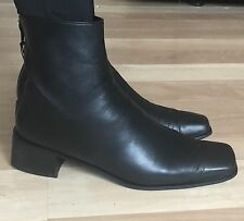 Stuart Weitzman Womens Block Heel Boots Short Black Leather Ankle Boots Size 10