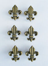 SET SIX (6) ANTIQUE BRASS COLORED CABINET / DRAWER PULLS FLEUR DE LIS KNOBS