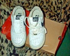 Vintage n.o.s.? in box Nike Airforce 1 athletic shoes/sneakers-6 youth-US !