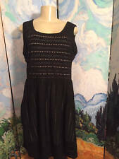 DAISY FUENTES L BLACK LASER CUT DESIGN BEIGE LINING SLEEVELESS KNEE LENGTH DRESS