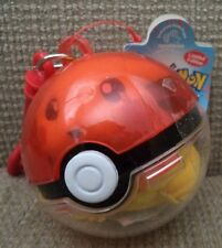 POKEMON PLAYABLES PIKACHU #25 POKEBALL KEYCHAIN *NEW*
