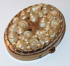 VINTAGE SEA SHELL PEARLS & TINY STAR FISH COVERED OVAL GOLDTONE MIRROR COMPACT