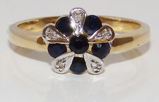 A FINE  9CT YELLOW  GOLD  SAPPHIRE & DIAMOND  CLUSTER ENGAGEMENT RING SIZE M