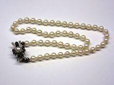 Perlenkette mit herrlichem Goldverschluss mit Saphiren ( 585er Gold)     4G4995
