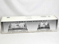 Code 3 Die Cast Scale FDNY Fire Station Set Seagrave Fire Trucks L31 E82 NEW