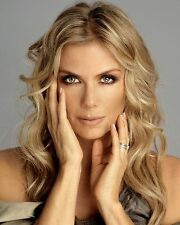 Katherine Kelly Lang /  Bold and The Beautiful 8 x 10 GLOSSY Photo Picture