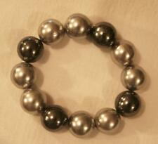 Handsome Mid-Sized Pearl Gray & Mid-Night Pearl Stretch Bangle Braclet