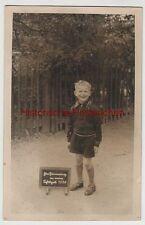 """(F3635) Orig. Foto Junge m. kleiner Kreidetafel """"Meie Schulzeit 1936"""""""