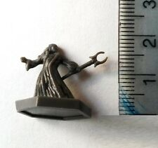 Dungeons and Dragons Plastic Miniatures Black Wizards x 6 (15mm scale)
