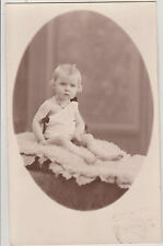 PHOTO ANCIENNE CPA- BEBE/ROBE/COLLIER /STUDIO MILLECAMPS/AUCHEL- peau de mouton