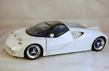 1:18 Maisto Special Edition Ford GT90 Concept Vehicle White F5