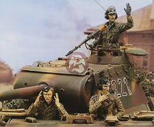 Royal Model 1/35 Sd.Kfz.171 Panther Ausf.A Late Tank Crew WWII (3 Figures) 317