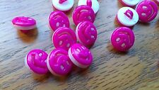 50 Happy Smile Deep Pink Buttons 13mm  Scrapbook Cardmaking Knitware New Baby