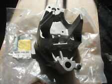 RENAULT MEGANE SCENIC ENGINE MOUNT SUPPORT COVER GENUINE 8200058060 NEW