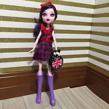 Monster High Ghoulebrities in Londoom Elissabat with Frights, Camera, Action out