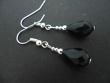 A PAIR OF SHORT BLACK  GLASS   CRYSTAL TEARDROP EARRINGS. NEW.
