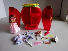 2003 BANDAI STRAWBERRY SHORTCAKE DOLL WITH CASE CLOTHES AND ACCESSORIES