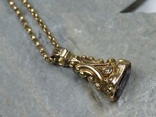 ANTIQUE VICTORIAN GOLD AMETHYST EMBOSSED SEAL FOB PENDANT CHARM