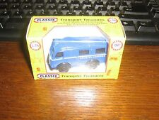 DIE-CAST - AUSTIN K8 ESTATE COMMUTER BUS IN BLUE - 00 gauge / 1:76 model