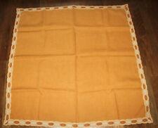 braune Tischdecke mit schönem Abschluss 105x102cm