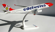 Edelweiss Air Airbus A330-200 1:200 Herpa SnapFit 610926 Flugzeug Modell A330