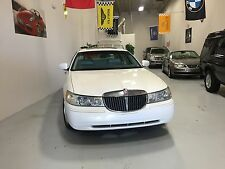Lincoln : Town Car 4dr Sdn Sign