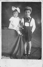 B63765 children enfants boy and girl garcon et fille
