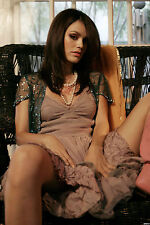 Rachel Bilson Unsigned 8x12 Photo (21)